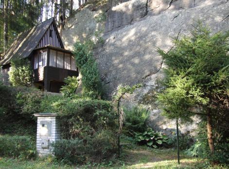chata pod skalou