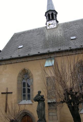 kostelni zahrada