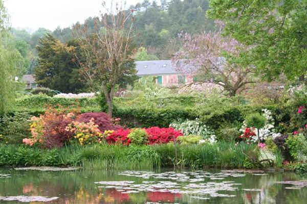 Monet garden4