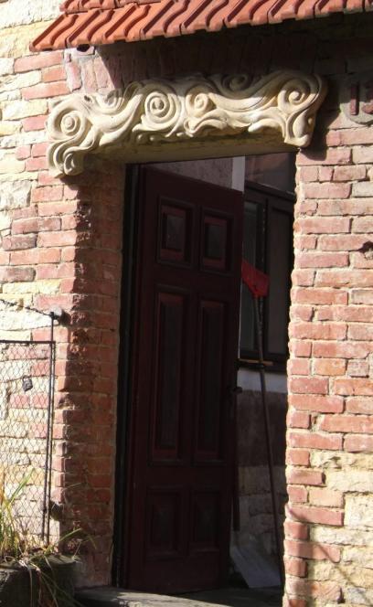 Vysoka detail vstup do dvora.jpg