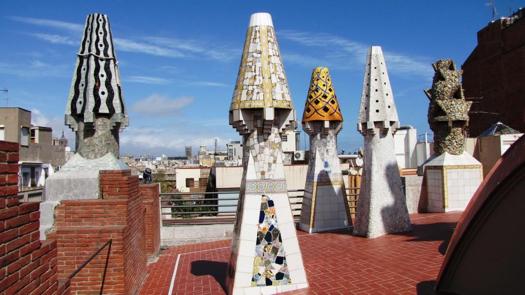 Palau Güell - komíny na střeše