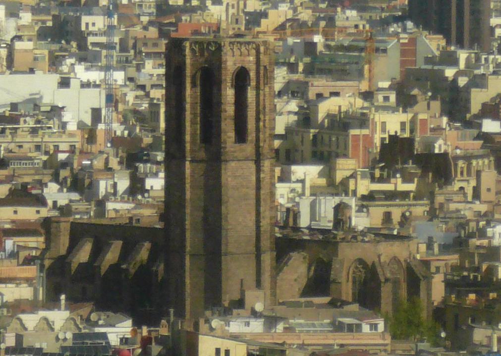 Santa_Maria_del_Pi_des_del_gratacel_de_l'avinguda_de_les_Drassanes