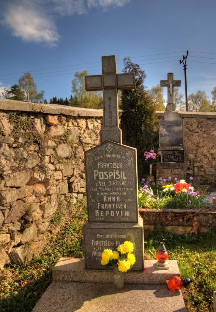 Modletín hřbitov 1
