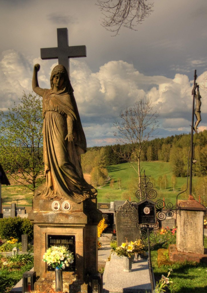 Modletín hřbitov 10