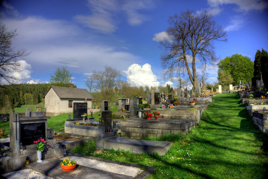 Modletín hřbitov 11