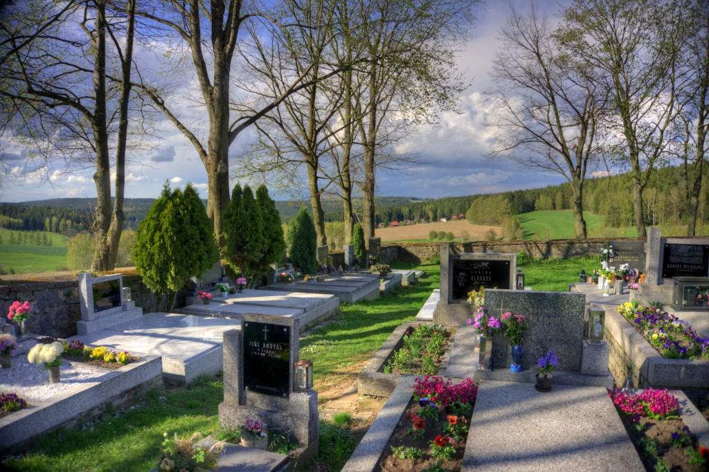 Modletín hřbitov 12