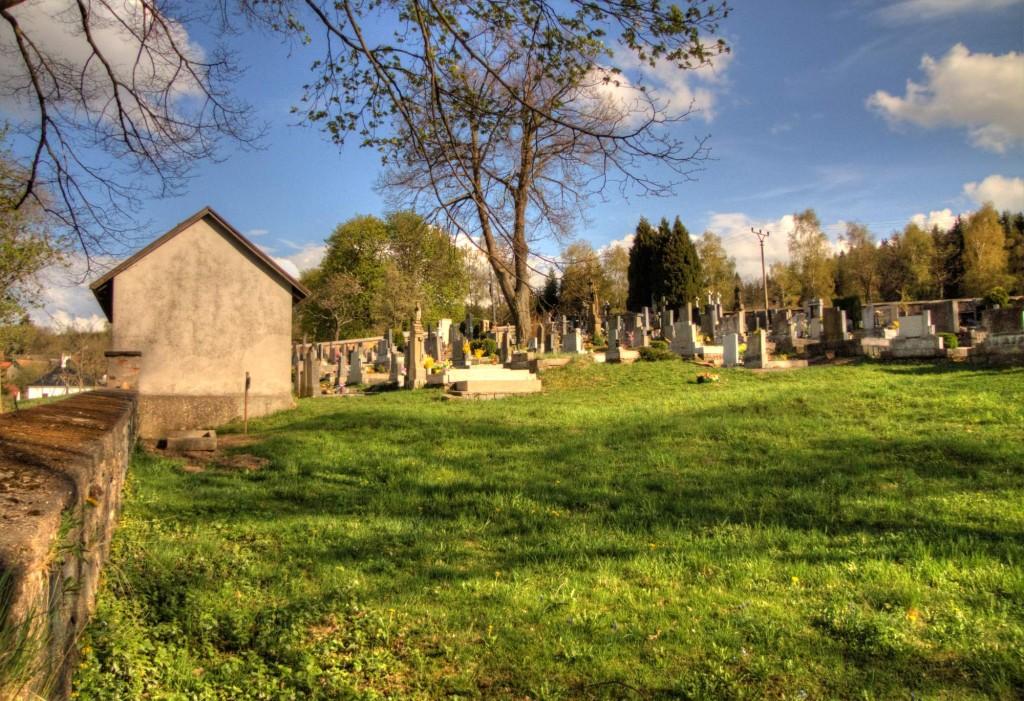 Modletín hřbitov 17