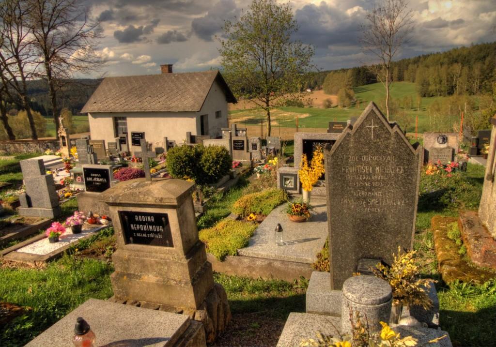 Modletín hřbitov 19