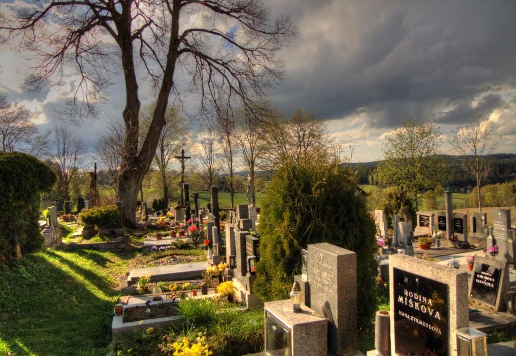 Modletín hřbitov 22