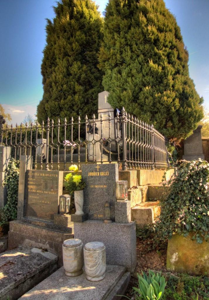 Modletín hřbitov 6