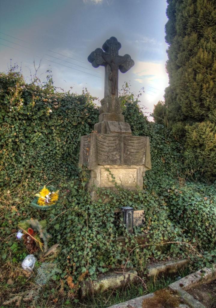 Modletín hřbitov 7