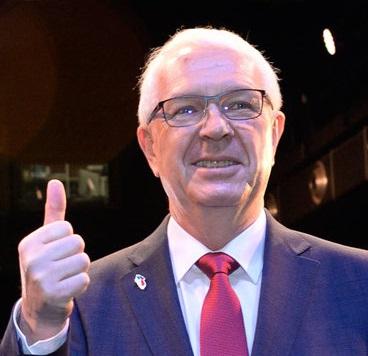 3893982_drahos-zeman-prezidentske-volby-v2