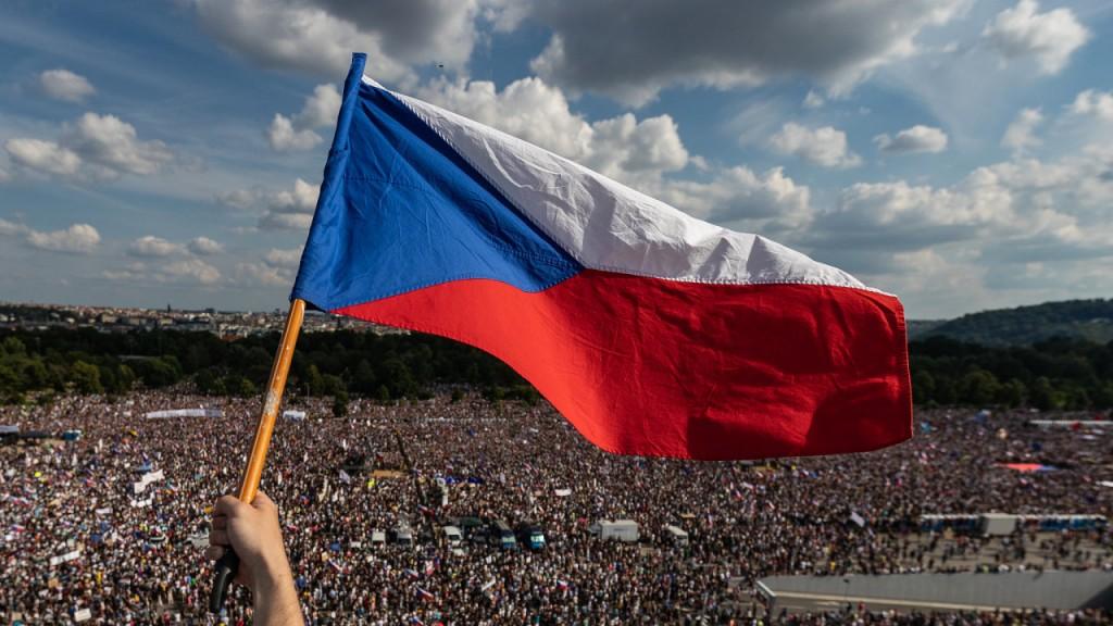 FOTO_ROKU_Aktualita_biba-lukas_demonstrace_proti_babisovi_czech_press_photo